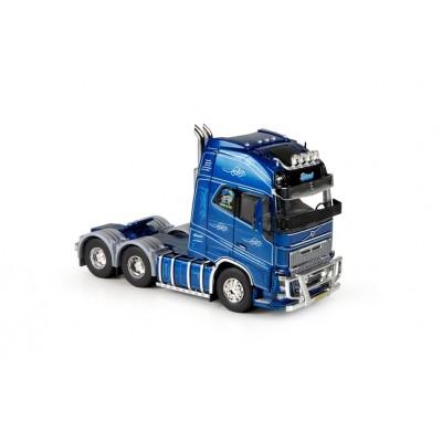Eklund Volvo FH04 6x4 Tractor